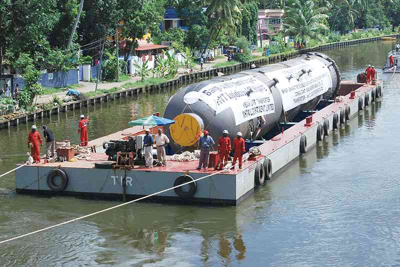 Dumb Barge Front Runner – Dead Weight Capacity 1305 Tonnes